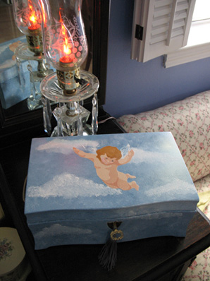 Stenciled Cherub Jewelry Box from www.all-about-stencils.com
