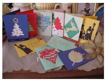 Stenciled Christmas Cards from www.all-about-stencils.com