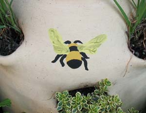 Bee Stencil from www.all-about-stencils.com