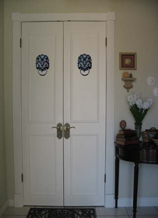 Trompe L oeil Stenciled Doors from www.all-about-stencils.com