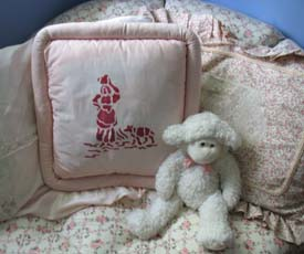Toile Stenciled Pillow from www.all-about-stencils.com