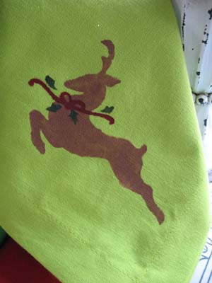 Stenciled Reindeer on a Cloth Napkin Project from www.all-about-stencils.com
