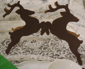 Reindeer Centerpiece from www.all-about-stencils.com