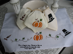 Stenciled Thanksgiving Napkins from www.all-about-stencils.com