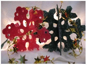 3D Snowflake Crafts from www.all-about-stencils.com