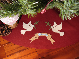 Christmas Tree Skirt with Doves from www.all-about-stencils.com